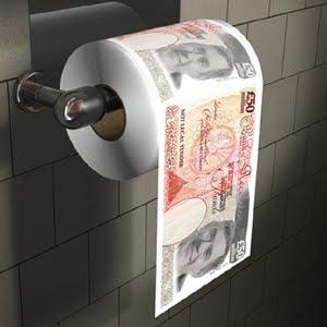 TRÔNE BRITANNIQUE dans C'est mieux ailleurs papier-toilette-livre-sterling1