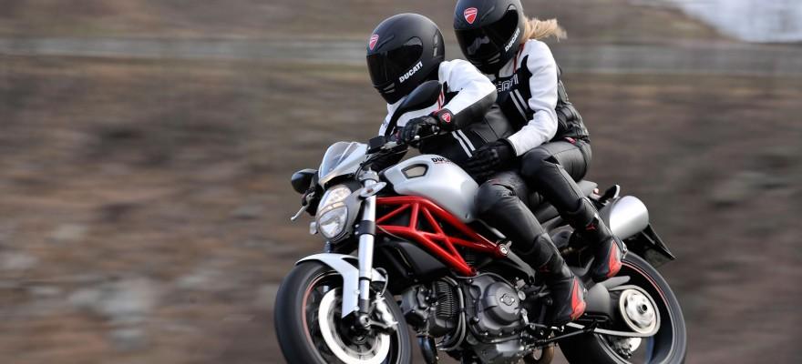 moto-couple-880x400
